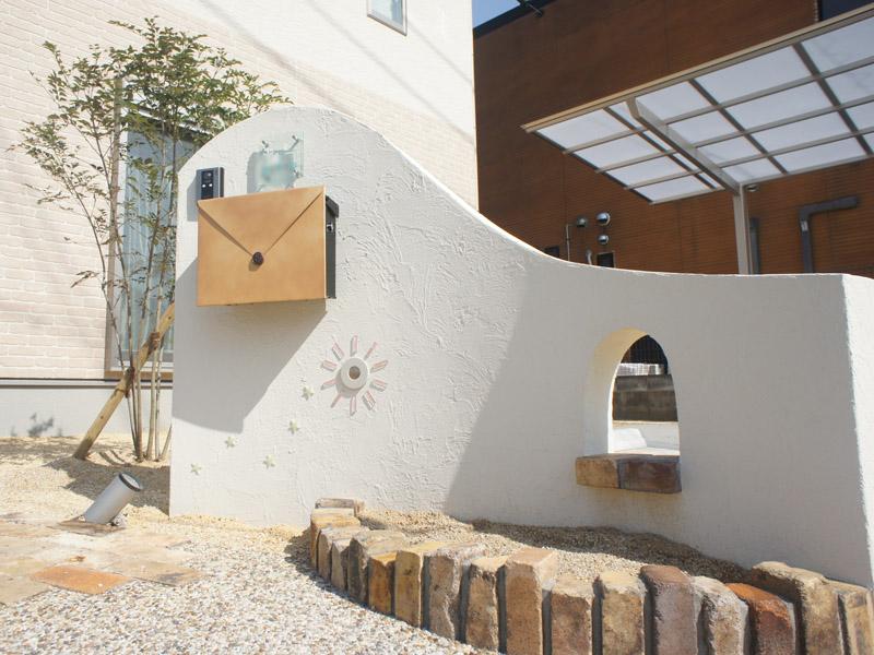家族の想いが輝く門柱 近江八幡市