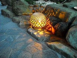やわらかな光でしっとり和風の乱張りのお庭 東近江市