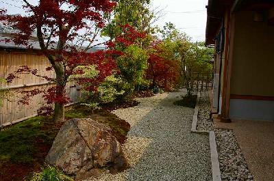 季節を楽しむ庭園
