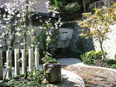 枝垂桜の癒しのお庭 京都市