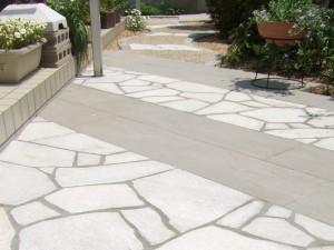 石張りの明るいお庭は120%活用できます 大津市