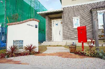 クラシックなデザインの門柱 近江八幡市