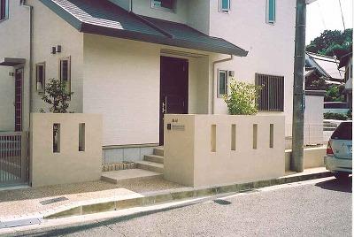 窓と門柱のコラボレーション 生駒市