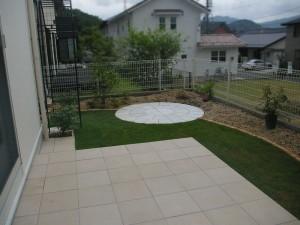 レンガの花壇で素敵な庭造り 大津市