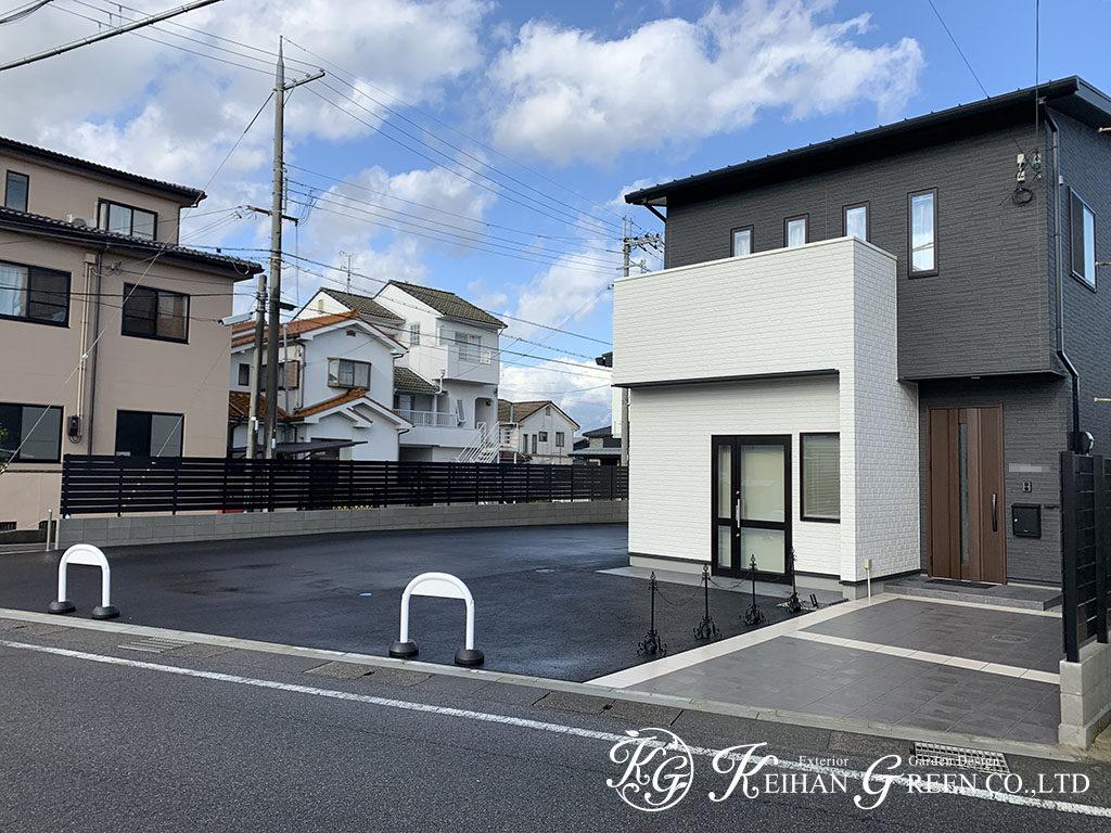 シンプルな建物に合わせたベーシックなエントランス 近江八幡市