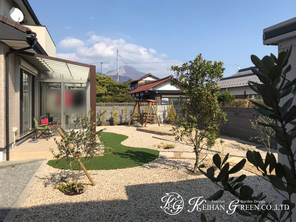 家と庭をつなぐアウトリビングを楽しむ空間 長浜市