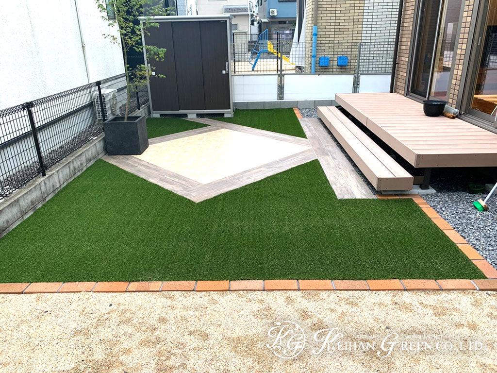 人工芝とタイルの組合せがおしゃれなお庭 栗東市