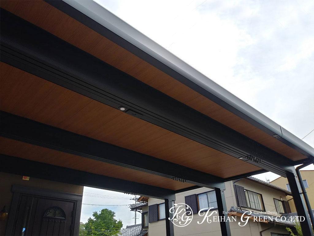 折板カーポートを軒天パネルでおしゃれに 彦根市