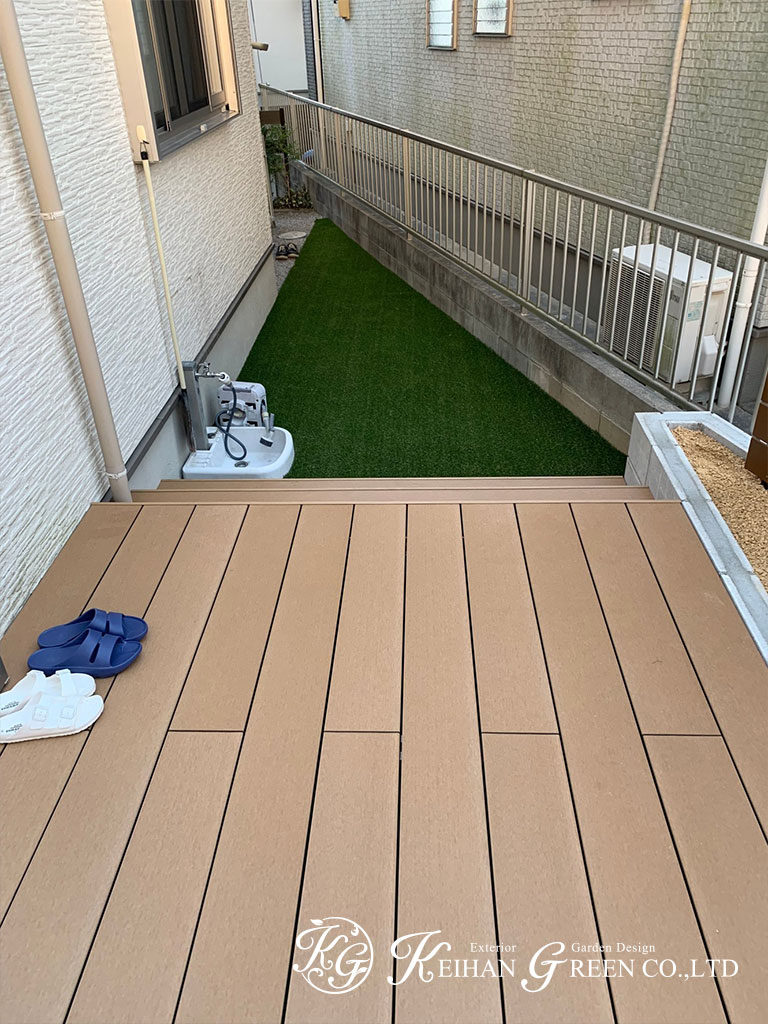 敷地いっぱいのウッドデッキでお庭とリビングが一体化 大津市